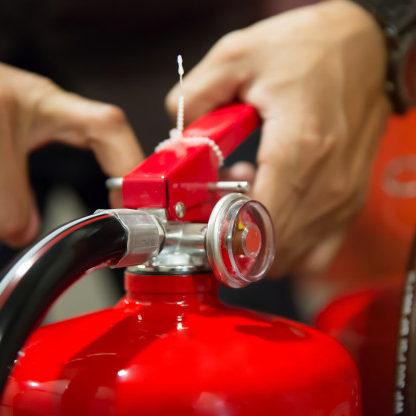 Negada cobertura de seguro para incêndio comunicado um ano depois