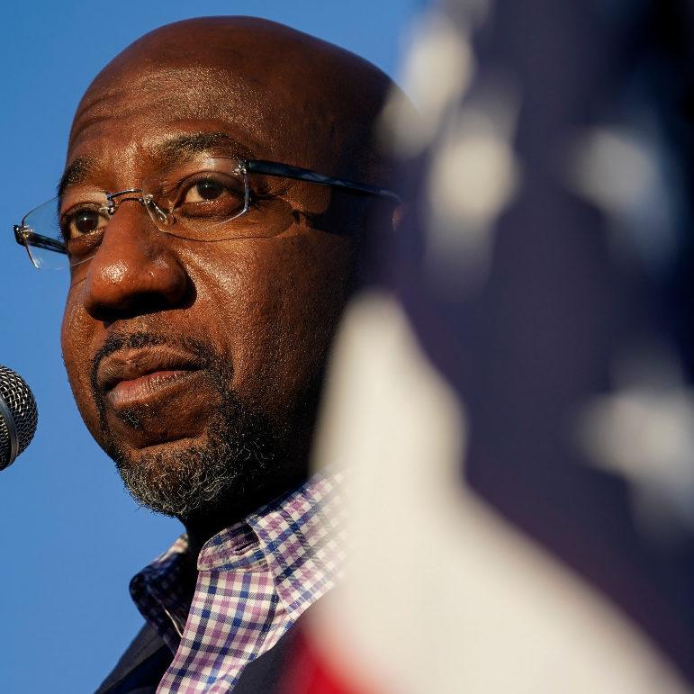 Pastor democrata da Geórgia conquista vaga no Senado dos EUA