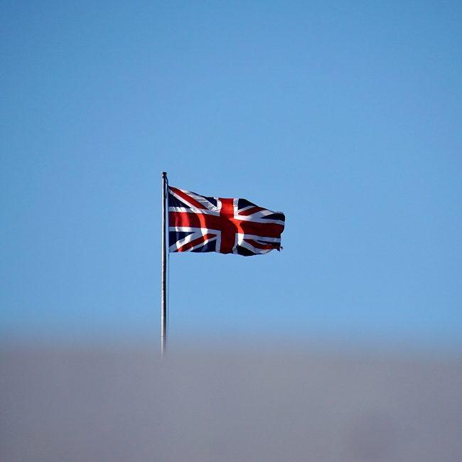 Reino Unido não dá prazo para revogar restrições a brasileiros