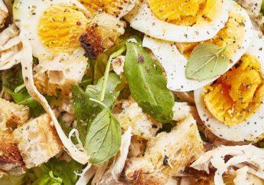 Frango e ovos compõem refeições nutritivas e acessíveis