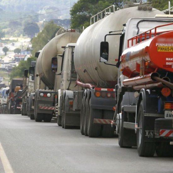 Greve dos caminhoneiros registra poucas manifestações pelo País
