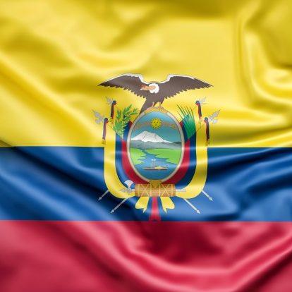 Equador escolhe novo presidente e pode ter retorno da esquerda