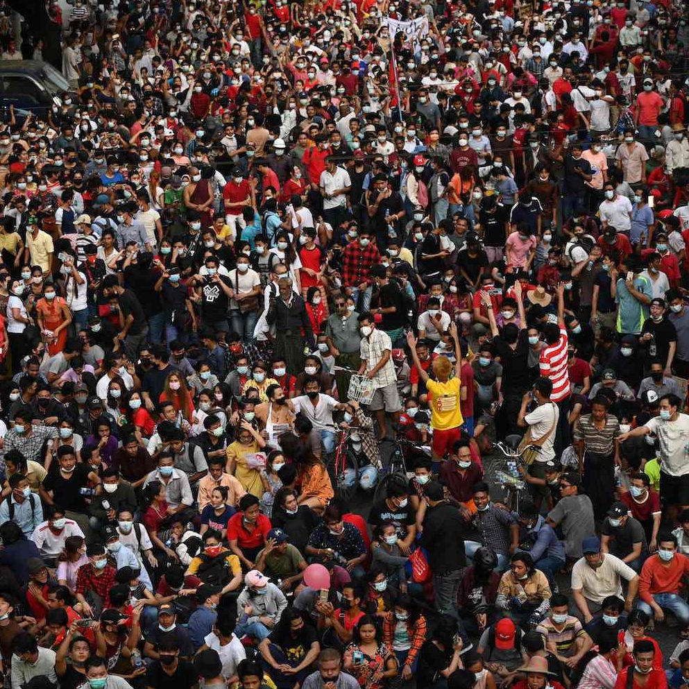 Manifestantes morrem em protestos contra golpe de estado