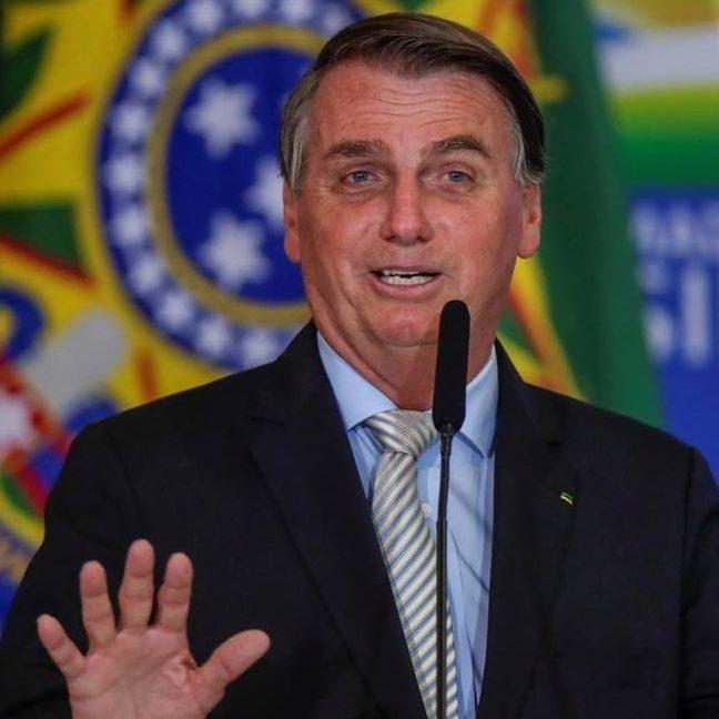 "Bolsonaro declara: ""Comprar vacina só se for na casa da tua mãe"""