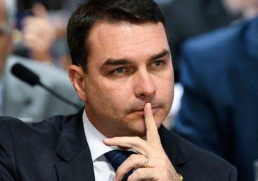 Oposição cobra explicações sobre mansão de Flavio Bolsonaro