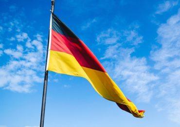 Passaporte da vacinação para retomar atividades divide alemães
