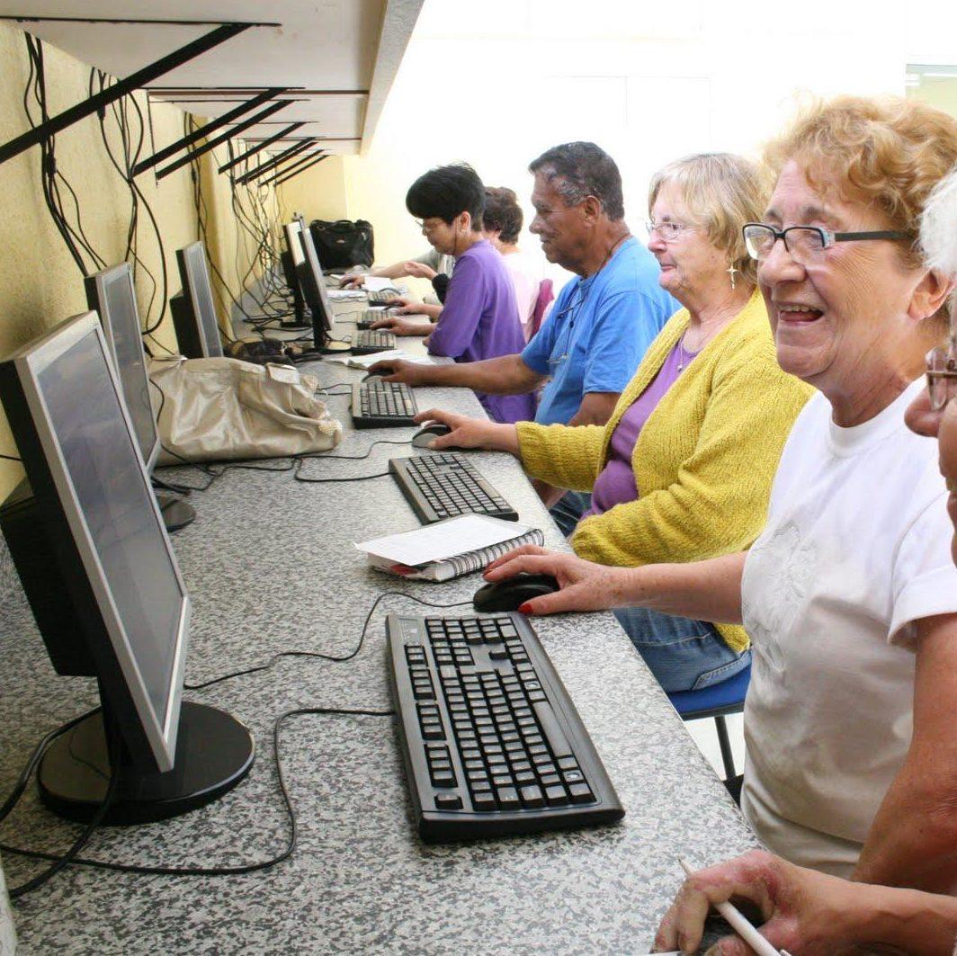 Número de idosos que acessam a internet chega a 97%