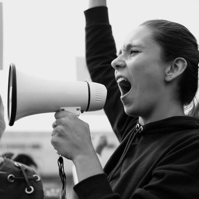 Brasil cai em ranking global de liberdade de expressão