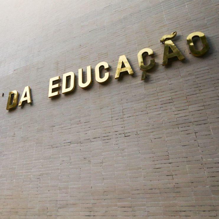 MEC suspende ofício que impedia atos políticos em universidades