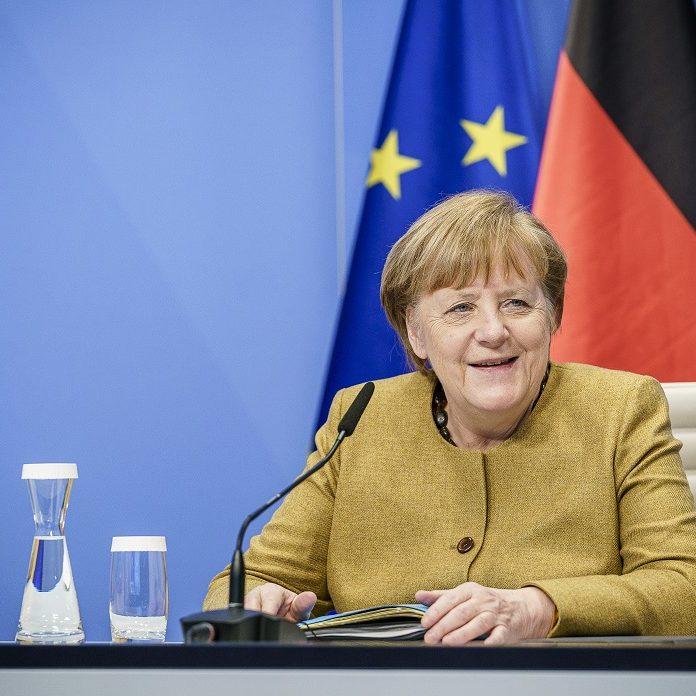 Merkel faz mea culpa por gestão da pandemia na Páscoa