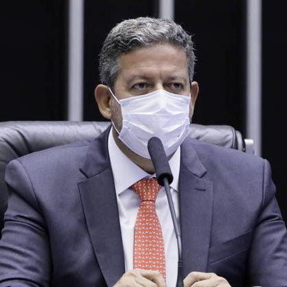 Lira quer reunir emendas para criar fundo de combate a pandemia
