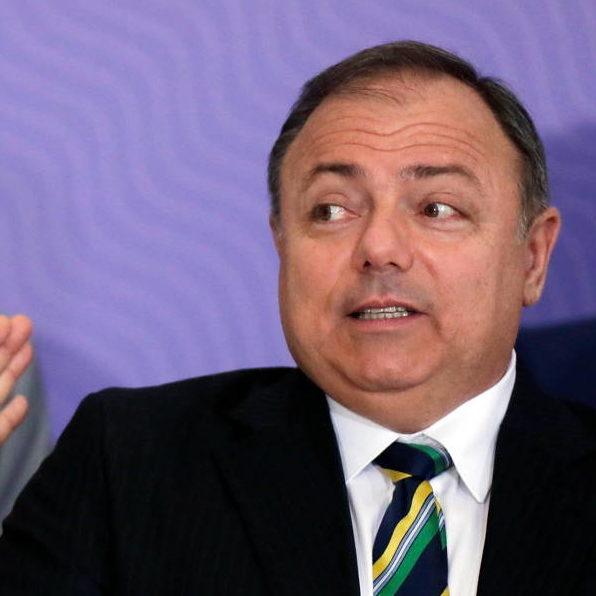 Versão do ex-ministro sobre crise em Manaus irrita senadores