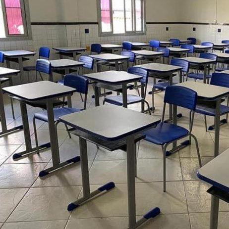 Salvador anuncia retomada das aulas e professores ameaçam greve
