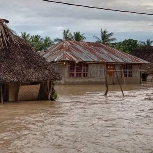 Mais de 100 pessoas morrem em enchentes na Indonésia e Timor