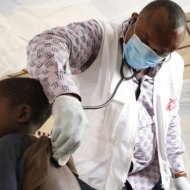 Epidemia de sarampo no Congo mata mais de 8 mil crianças