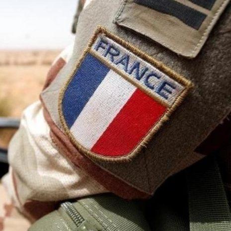 Militares da reserva ameaçam intervenção na França