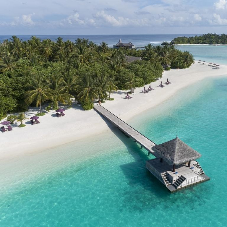 Ilhas Maldivas prometem vacinar visitantes para atrair turismo