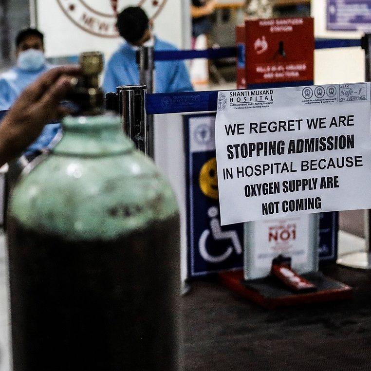 Falta de oxigênio agrava pandemia de Covid-19 na Índia