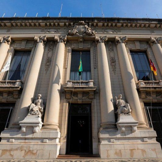 Oposição critica governo por pressa em votar PEC das estatais