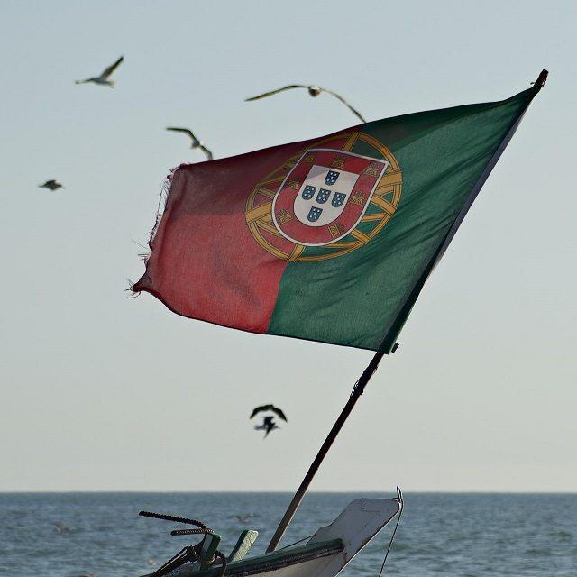 Portugal isola Lisboa para conter disseminação de variante delta