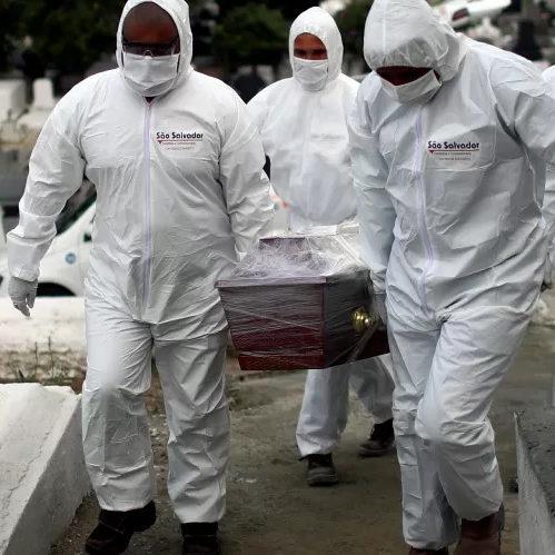 Brasil tem mais de 4 mil mortes em 24h pela 1ª vez na pandemia