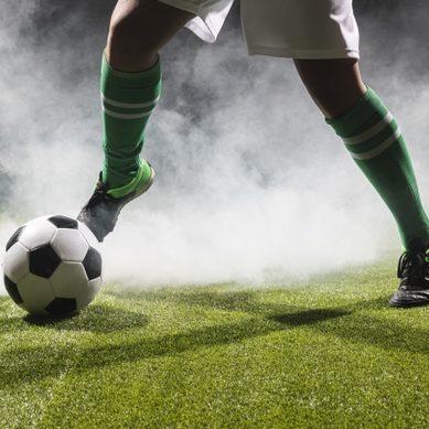 Liga dos Campeões: Manchester City e PSG decidem vaga para final na Inglaterra