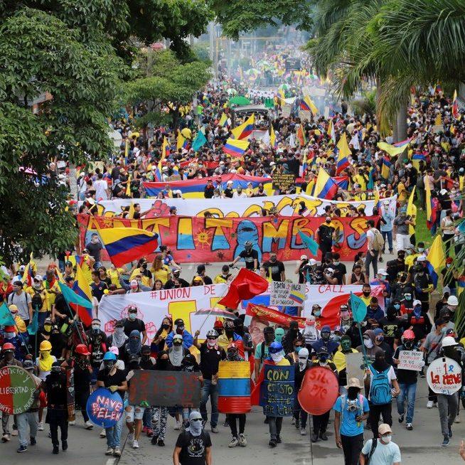 Colômbia envia Exército para conter protestos em Cali