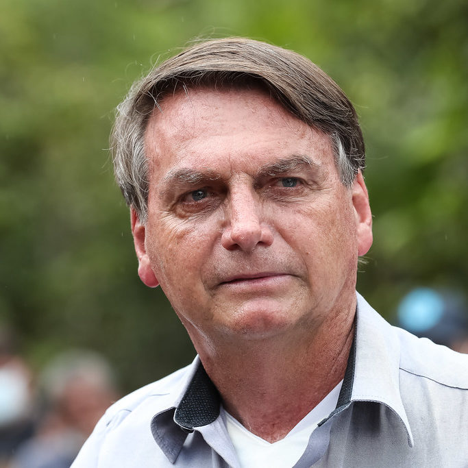 Bolsonaro aciona STF contra medidas de isolamento em estados