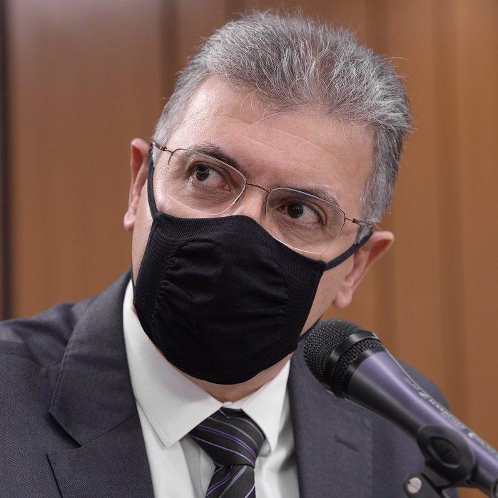 Ex-secretário da Saúde de MG diz que não cometeu fraude na vacinação