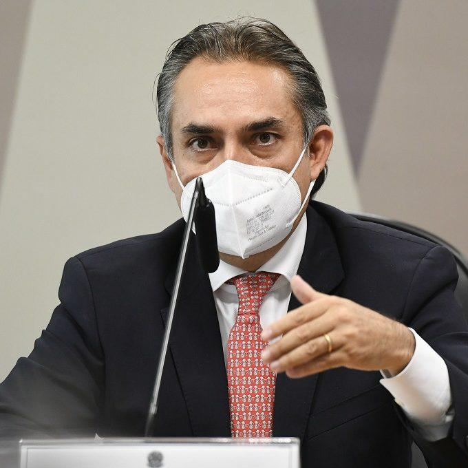 Brasil ignorou oferta da Pfizer com entrega de vacinas em 2020