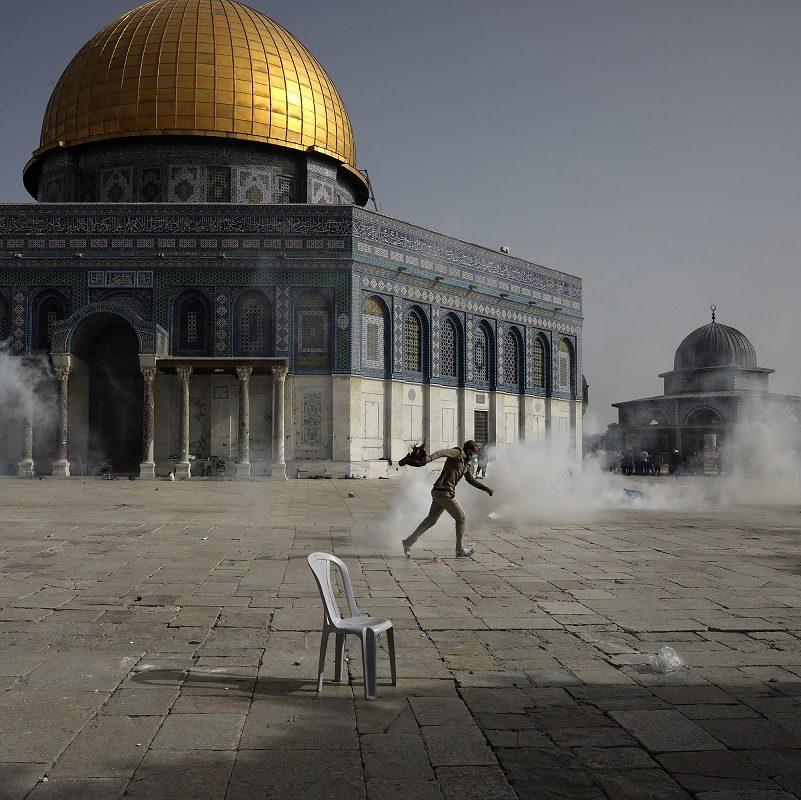 Escalada de violência explode entre árabes e judeus em Israel