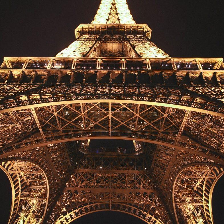 França se prepara para retomada do turismo no verão
