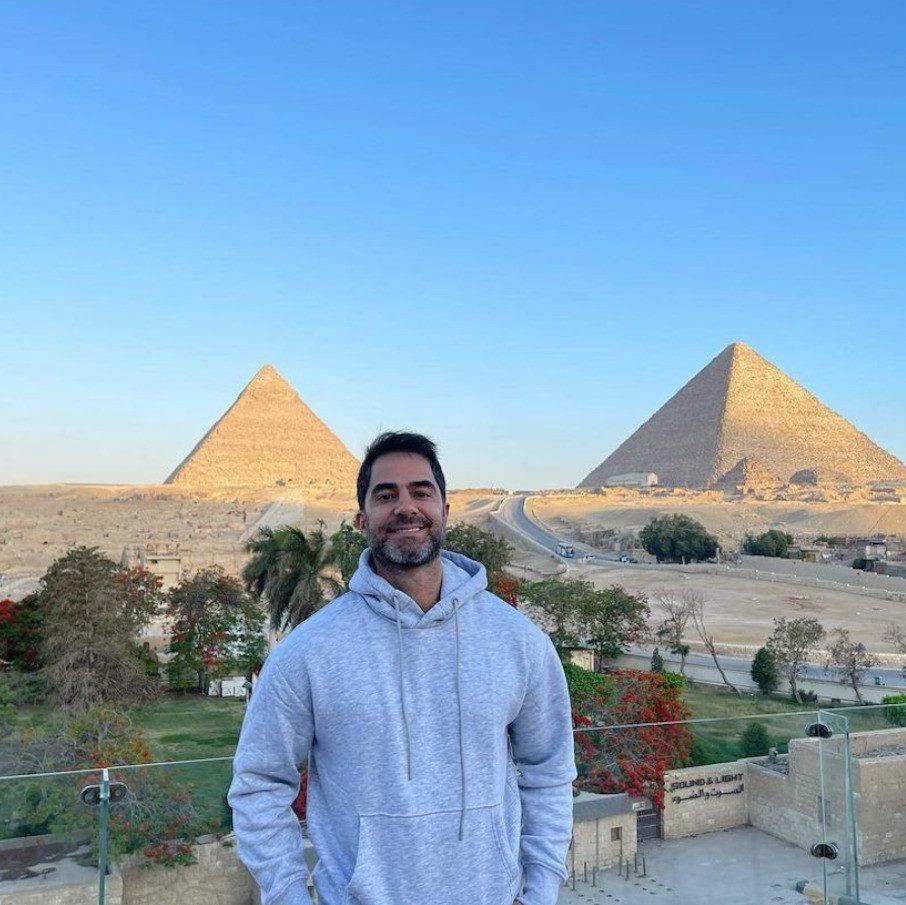 Médico brasileiro é preso no Egito após assediar muçulmana