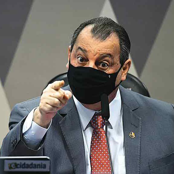"""Aziz responde Bolsonaro: """"A onça vai pegar o macaco guariba"""""""