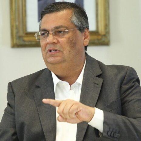 """Flávio Dino afirma: """"Bolsonaro não decide nada"""""""