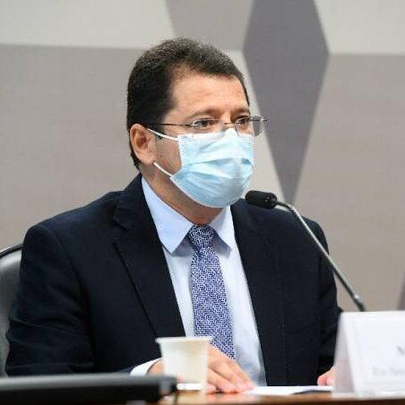 Ex-secretário do AM contradiz Pazuello sobre falta de oxigênio