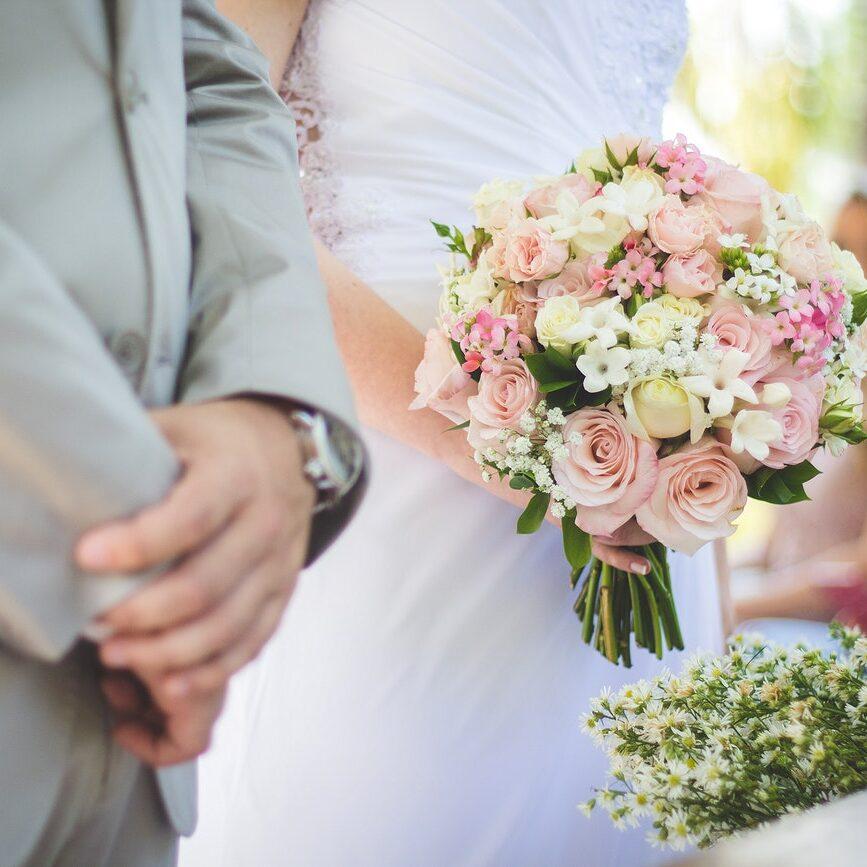 Reino Unido autoriza volta de festas de casamento