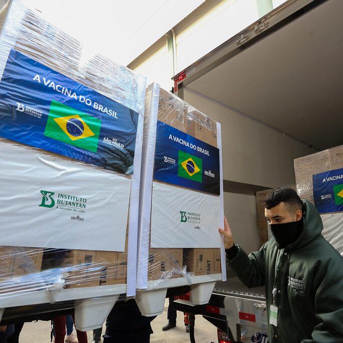 Doria entrega mais 2,2 milhões de doses e pode acelerar vacinação