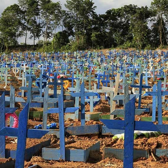 Número de vítimas da pandemia no Brasil chega a 482 mil