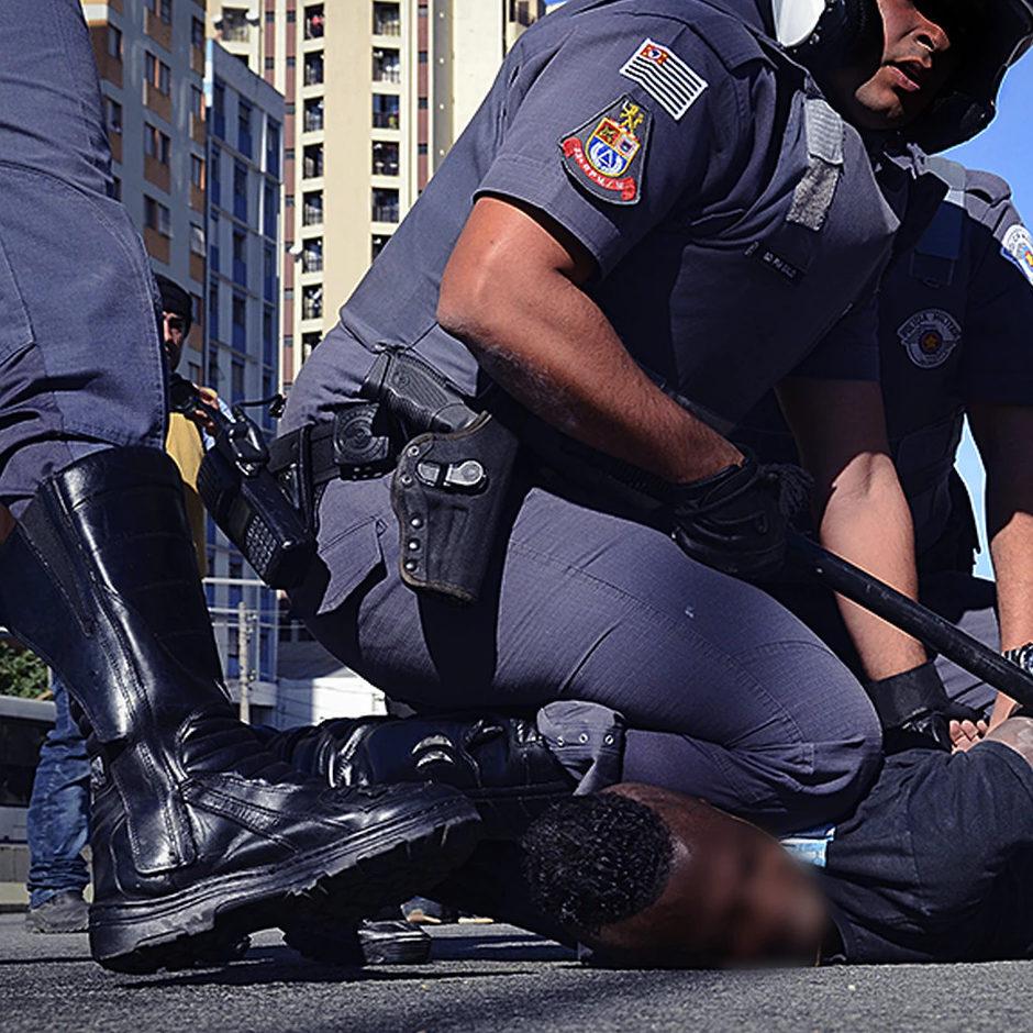 Violência policial gera medo e se assemelha a genocídio