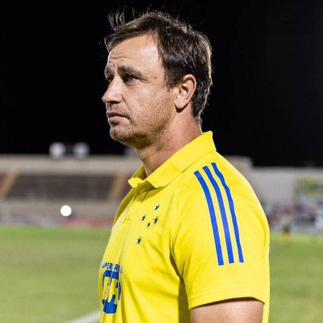 Copa do Brasil: Cruzeiro demite técnico após eliminação na terceira fase