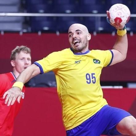 Jogos Olímpicos: Brasil perde para França e se complica no handball masculino
