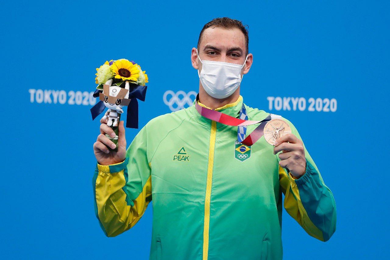 Jogos Olímpicos: Fernando Scheffer surpreende e conquista bronze na natação
