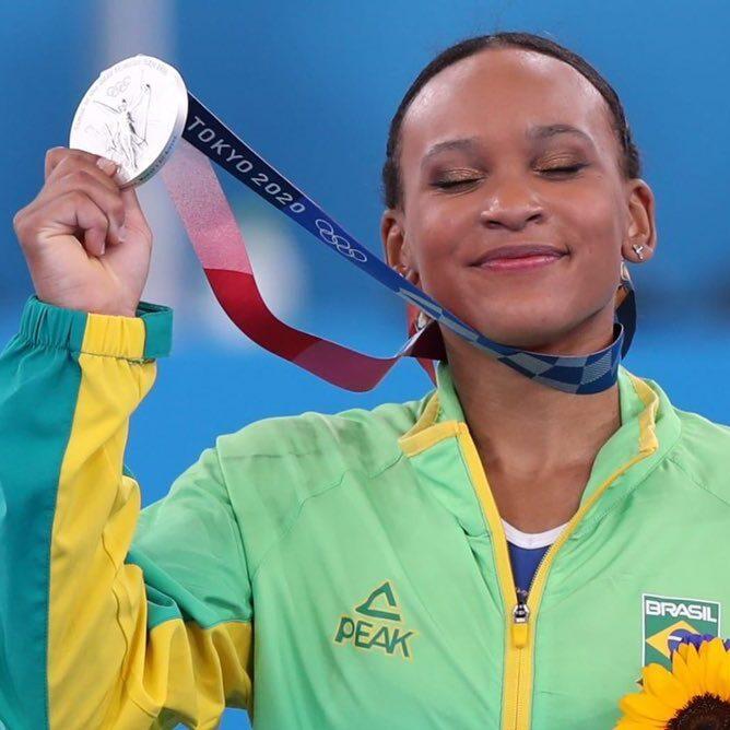 Jogos Olímpicos: Rebeca Andrade é prata na Ginástica Artística