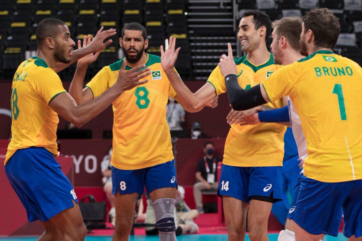 Jogos Olímpicos: Brasil garante vaga nas quartas de final do vôlei masculino