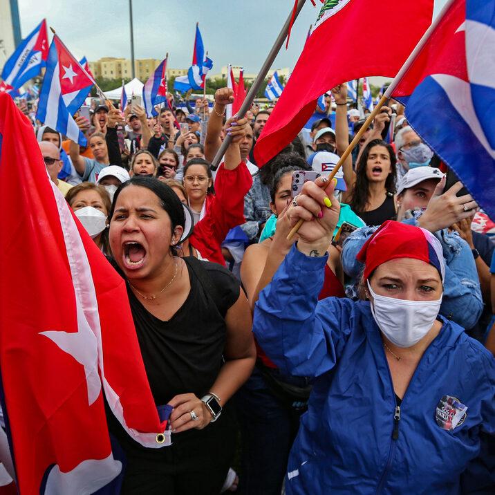 Biden trata crise em Cuba de olho em eleitores latinos da Flórida