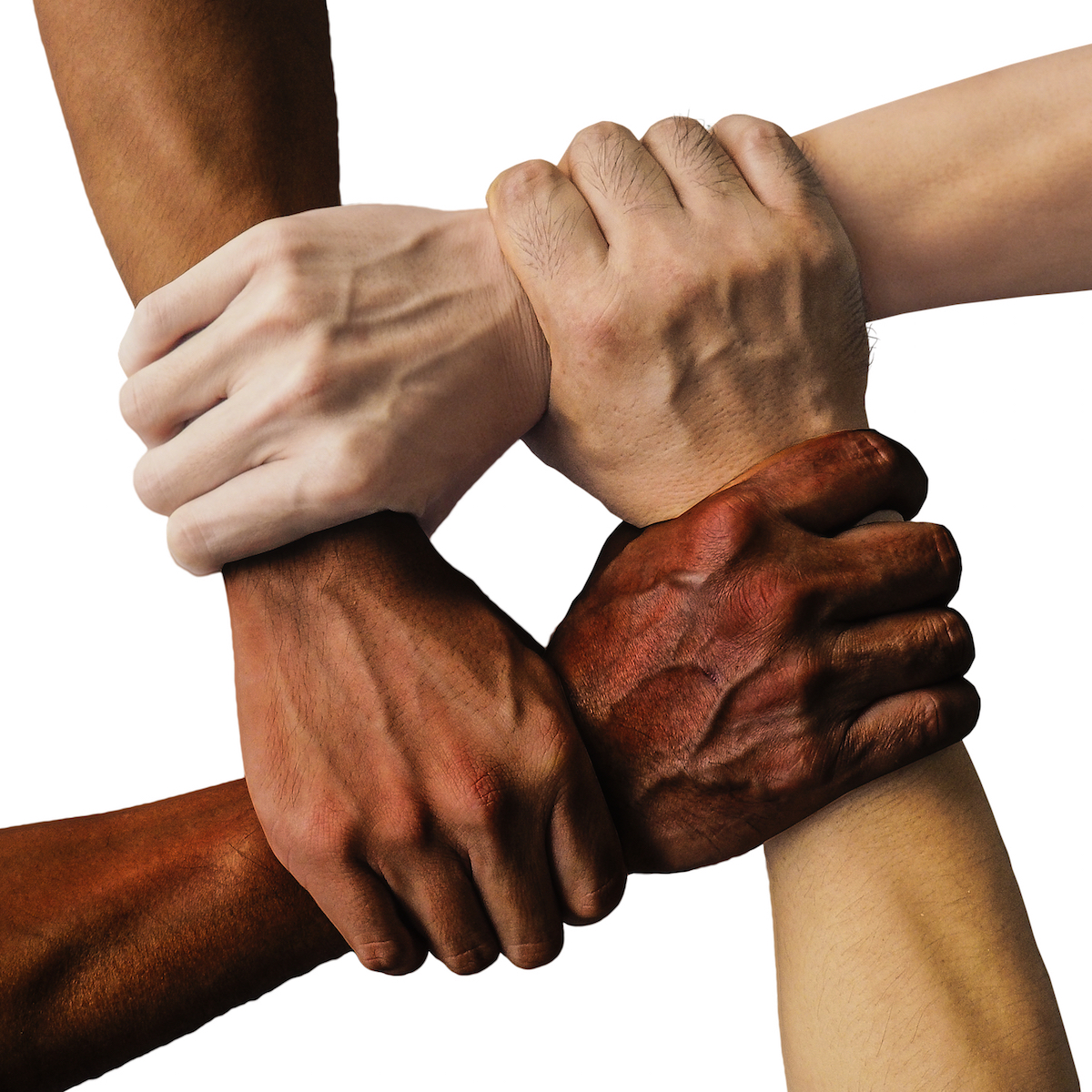 Homem é preso por racismo em fila da vacina