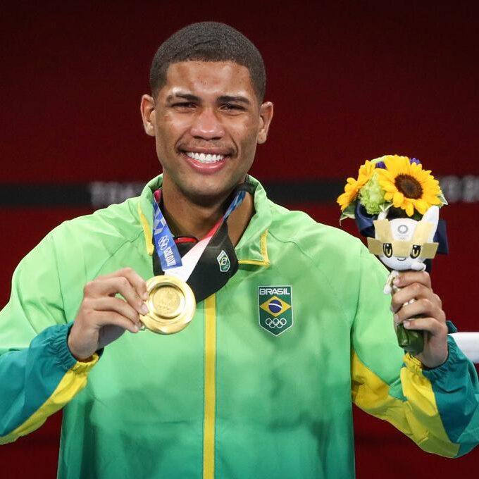 Brasil é ouro no boxe, mas fica sem medalha no vôlei masculino