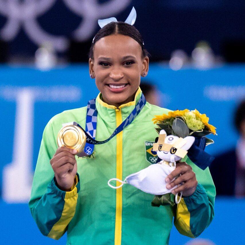 Rebeca Andrade entra para história e conquista o ouro para o Brasil na ginástica