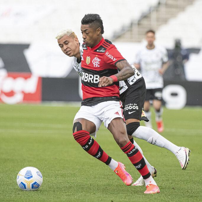 Série A: Flamengo vence Corinthians e embala a sexta vitória seguida
